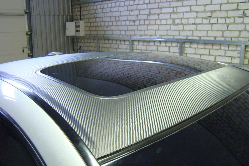 Обклейка крыши машины пленкой